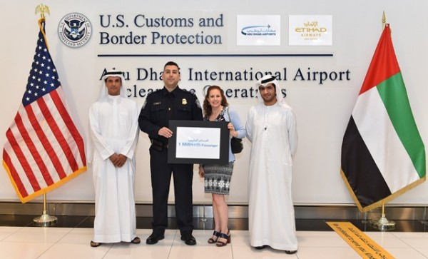 Abu Dhabi International Airport - Etihad Airways Welcome the 1 Millionth Passenger to the Airport's US Preclearance Facility